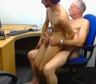 sexo-con-becario